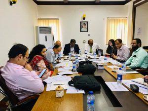 دی ورلڈ بینک مشن ٹیم  نے  مختلف امور جیسے فنڈز کی فراھمی وغیرہ  پر بات کرنے کے لئے کراچی نیبر ھوڈ امپروومینٹ پروجیکٹ  کے ذمیداران سے میٹنگ کی۔