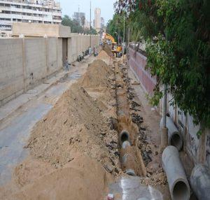 دین محمد وفائی روڈ پر  سیکریٹریٹ سے  فوارہ چوک تک  نکاسی آب کی لائنیں بچھائی جا رہی ہیں!