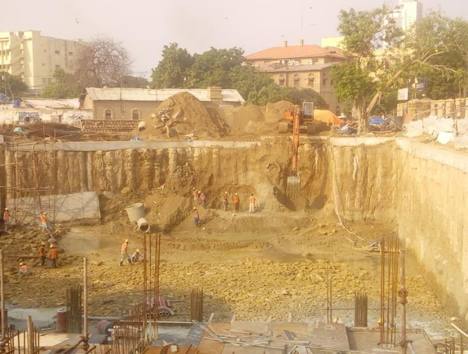 You are currently viewing Final excavation of section 08 underground parking plaza is about to completion.