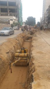 Read more about the article Sewerage line work in progress at Dr. Ziauddin Road